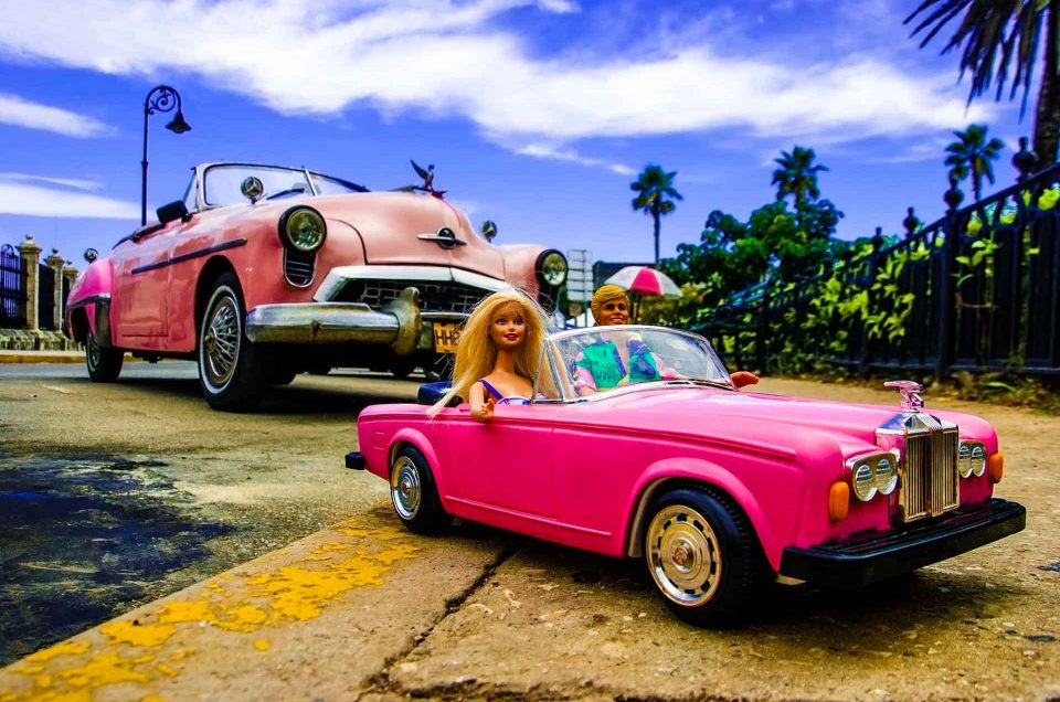 """Barbie Around the World""' article on All About Photo"