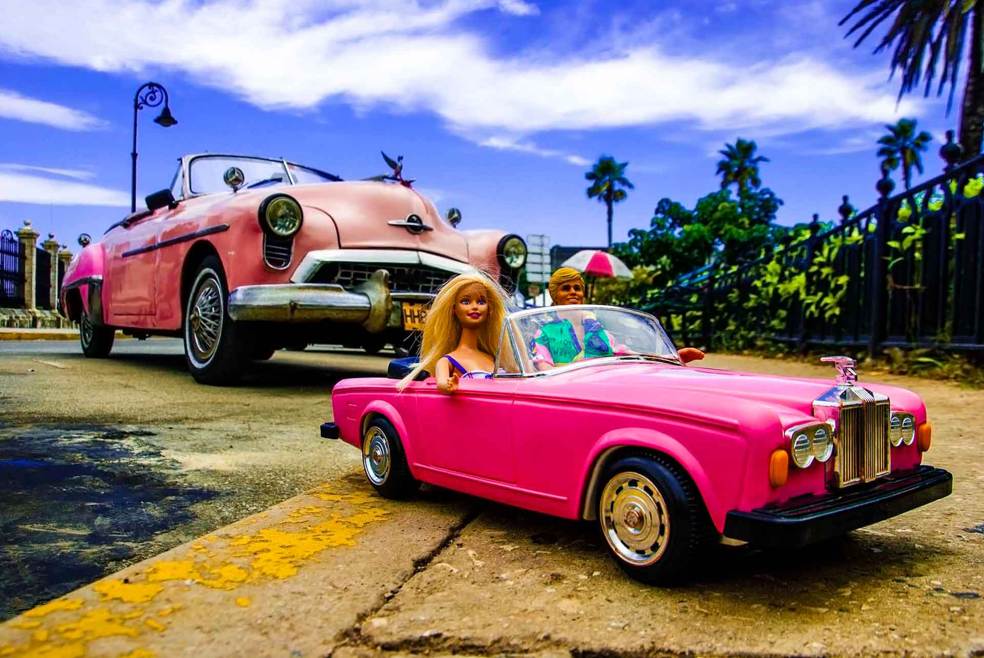 Barbie Around the World Malecon de Havana, havana, cuba, pescart, photo blog, travel blog, blog, photo travel blog, enrico pescantini, pescantini