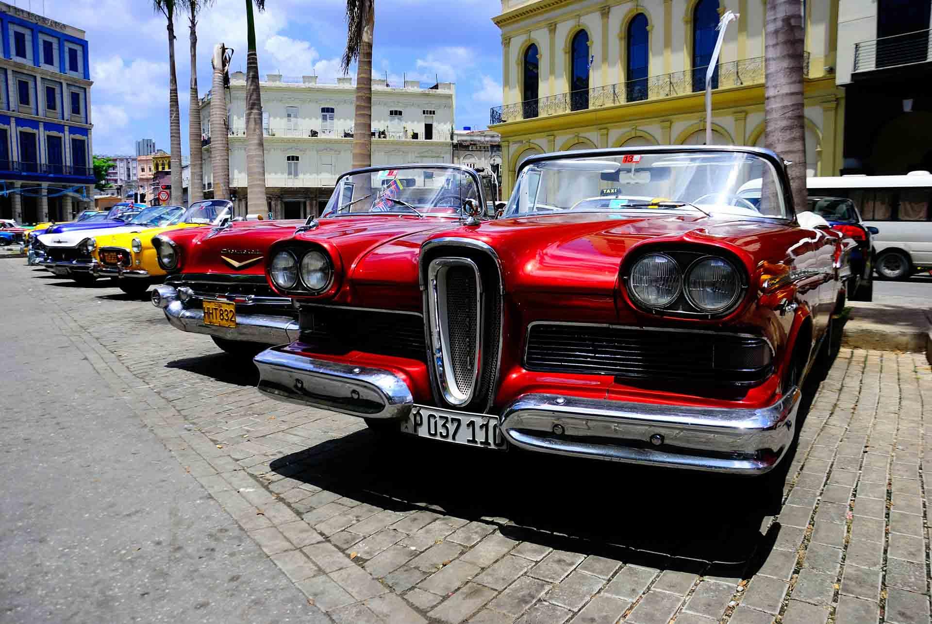 Havana Cuba Vintage Car 1 - PescArt