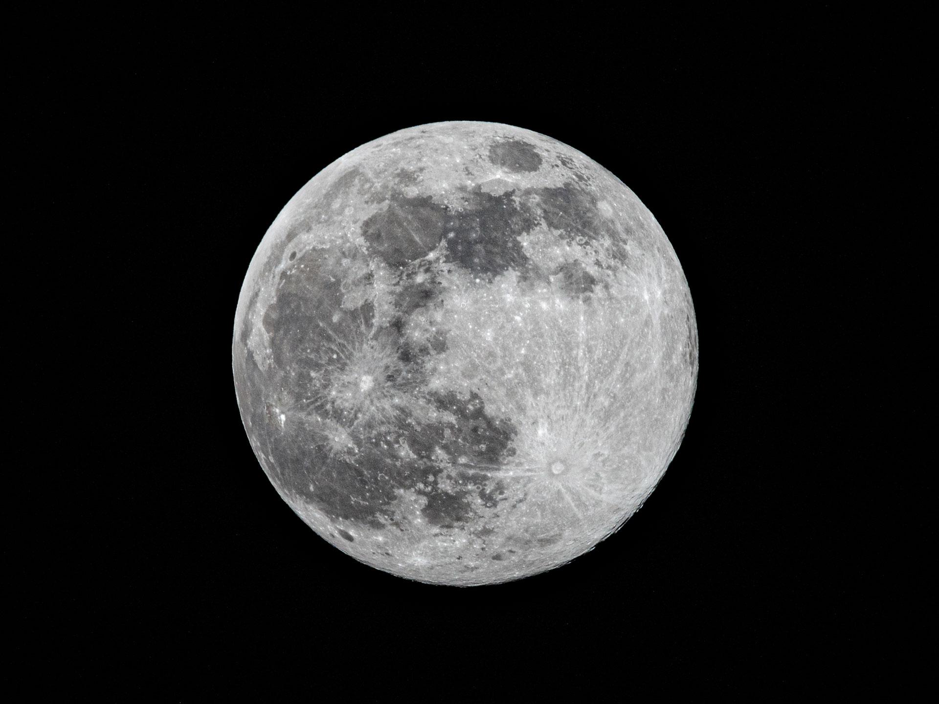 Super Moon 2020