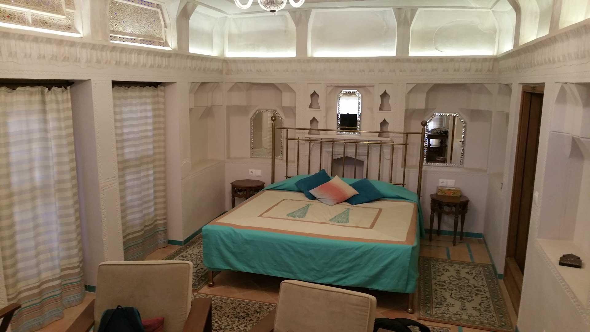 Saraye Ameriha Boutique Hotel room, kashan, iran, pescart, photo blog, travel blog, blog, photo travel blog, enrico pescantini, pescantini