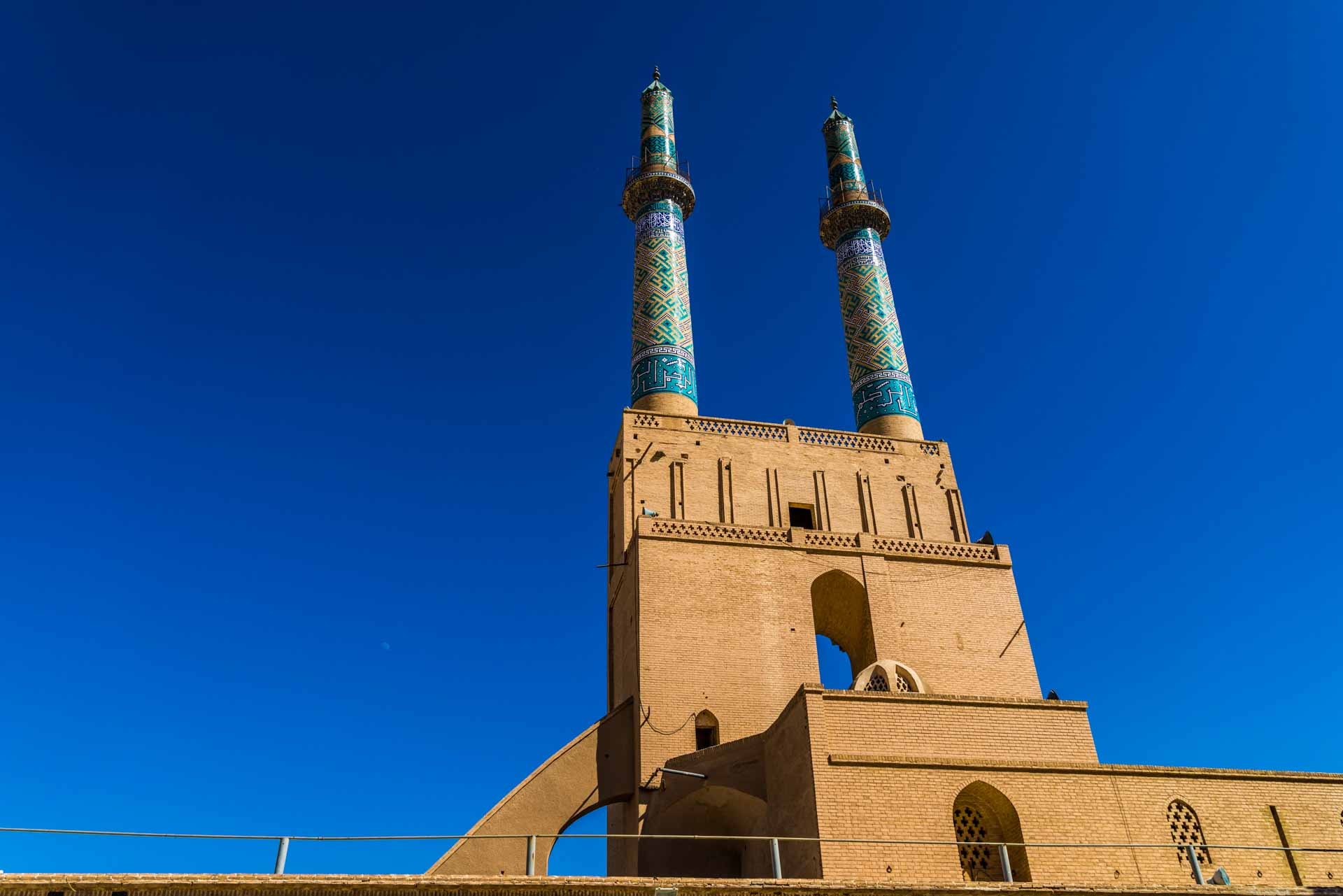 Yazd Jame Mosque from the courtyard