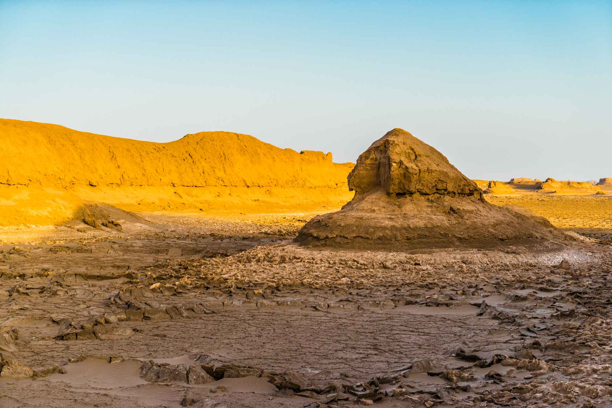 Kaluts desert sphynx, kerman, iran, pescart, photo blog, travel blog, blog, photo travel blog, enrico pescantini, pescantini