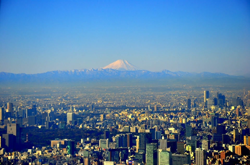 Japan – Tokyo: a crazy mix of manga, temples, street food and lights