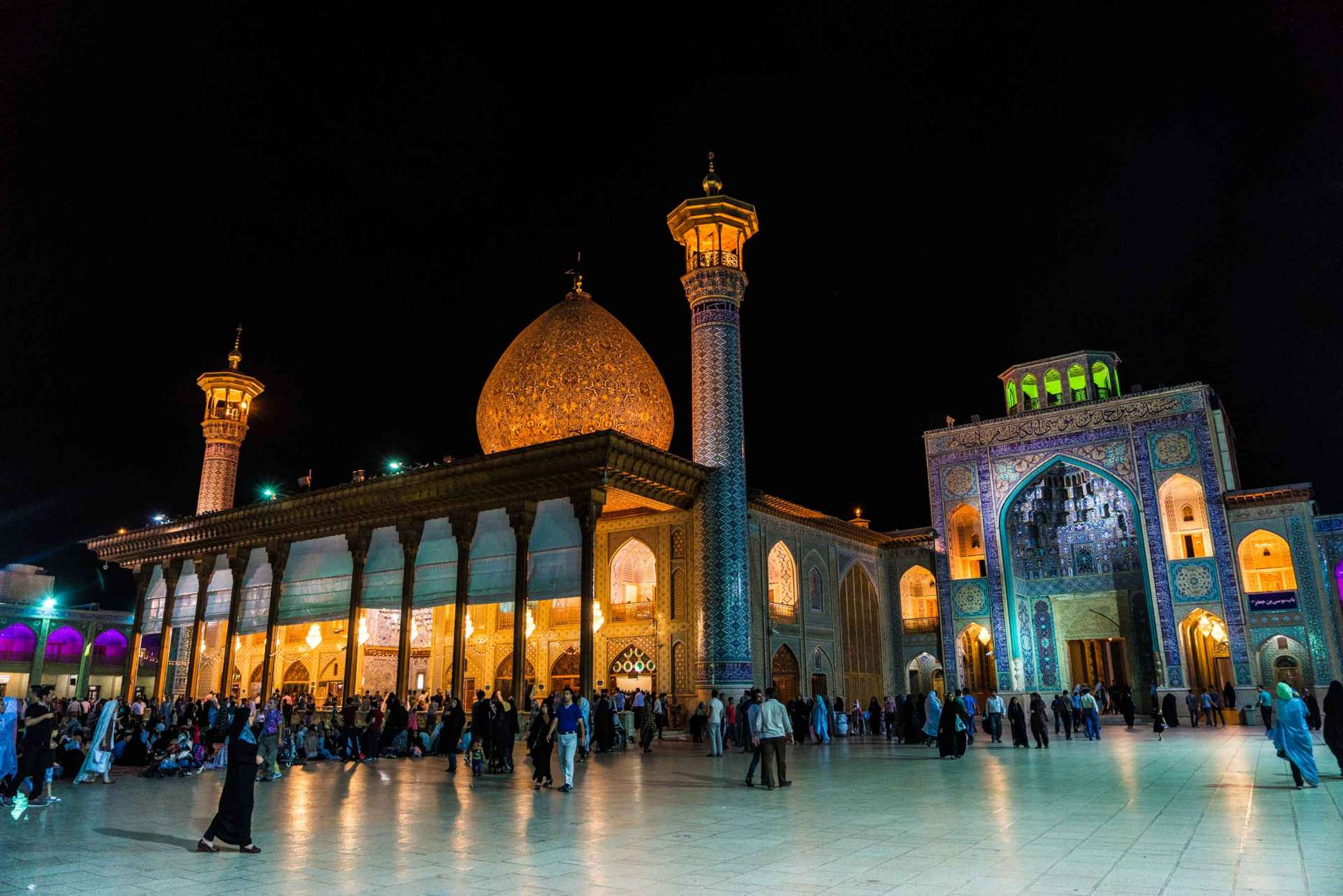 Shiraz Shah Cheragh by night