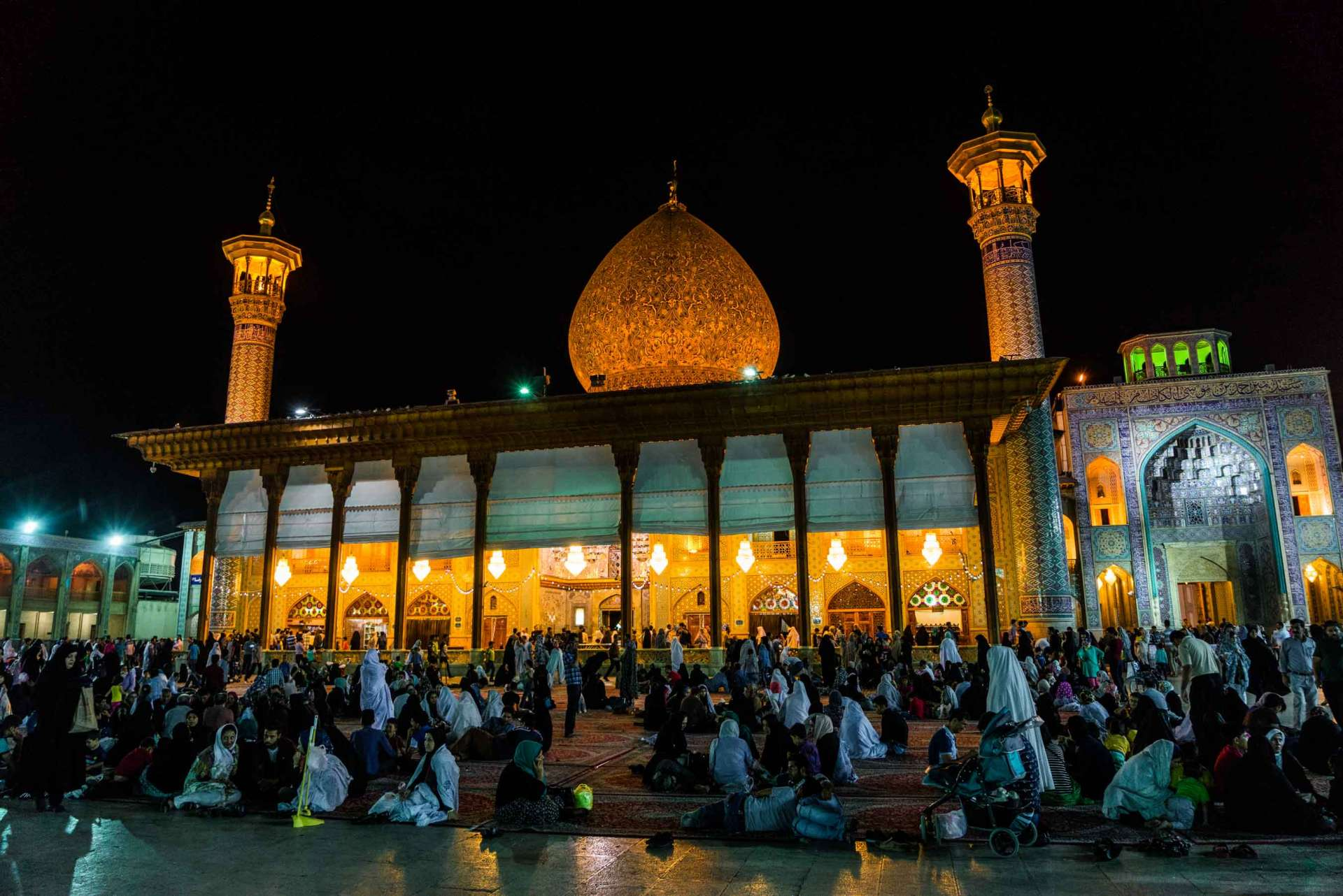 Shiraz Shah Cheragh by night 3