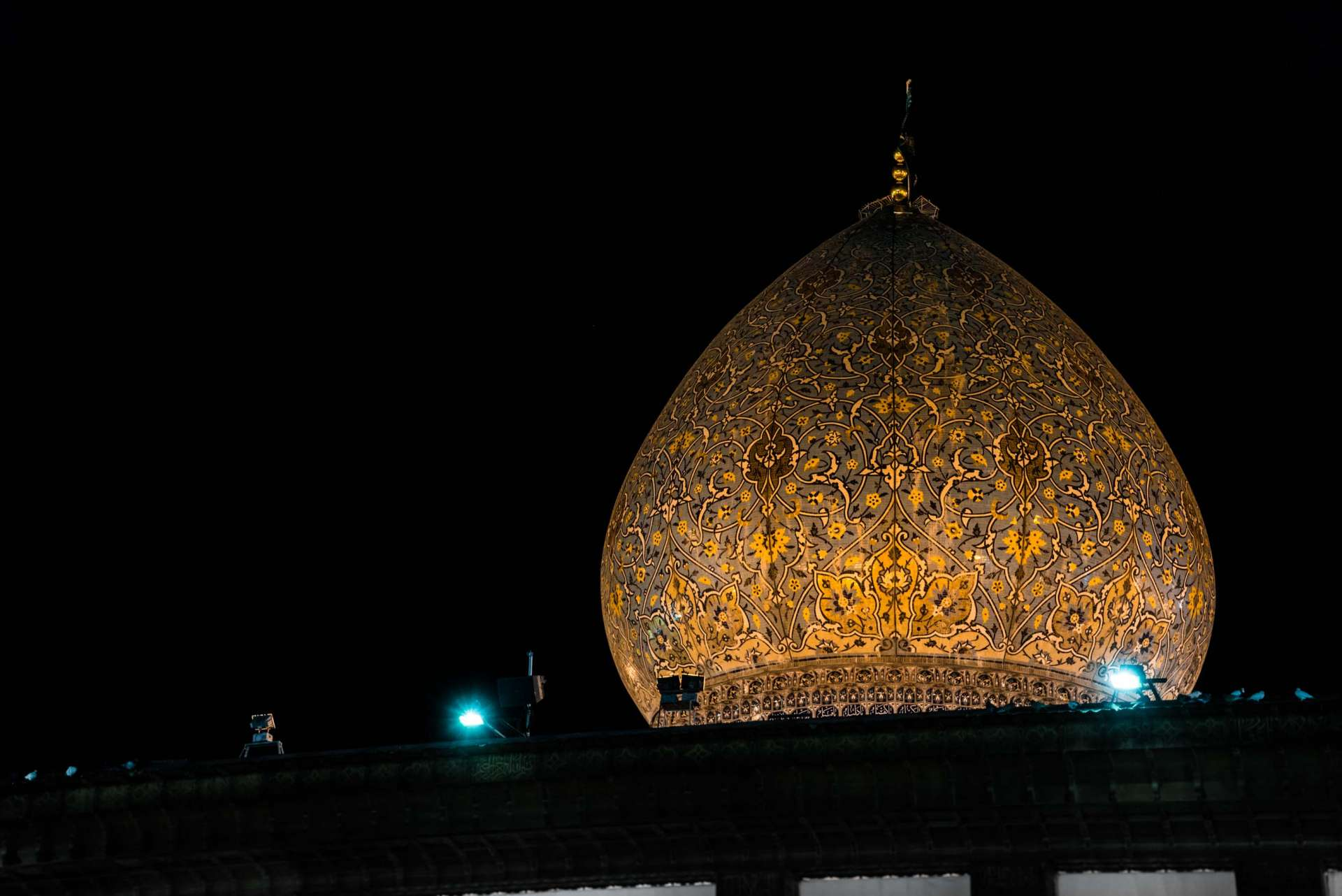 Shiraz Shah Cheragh by night 4