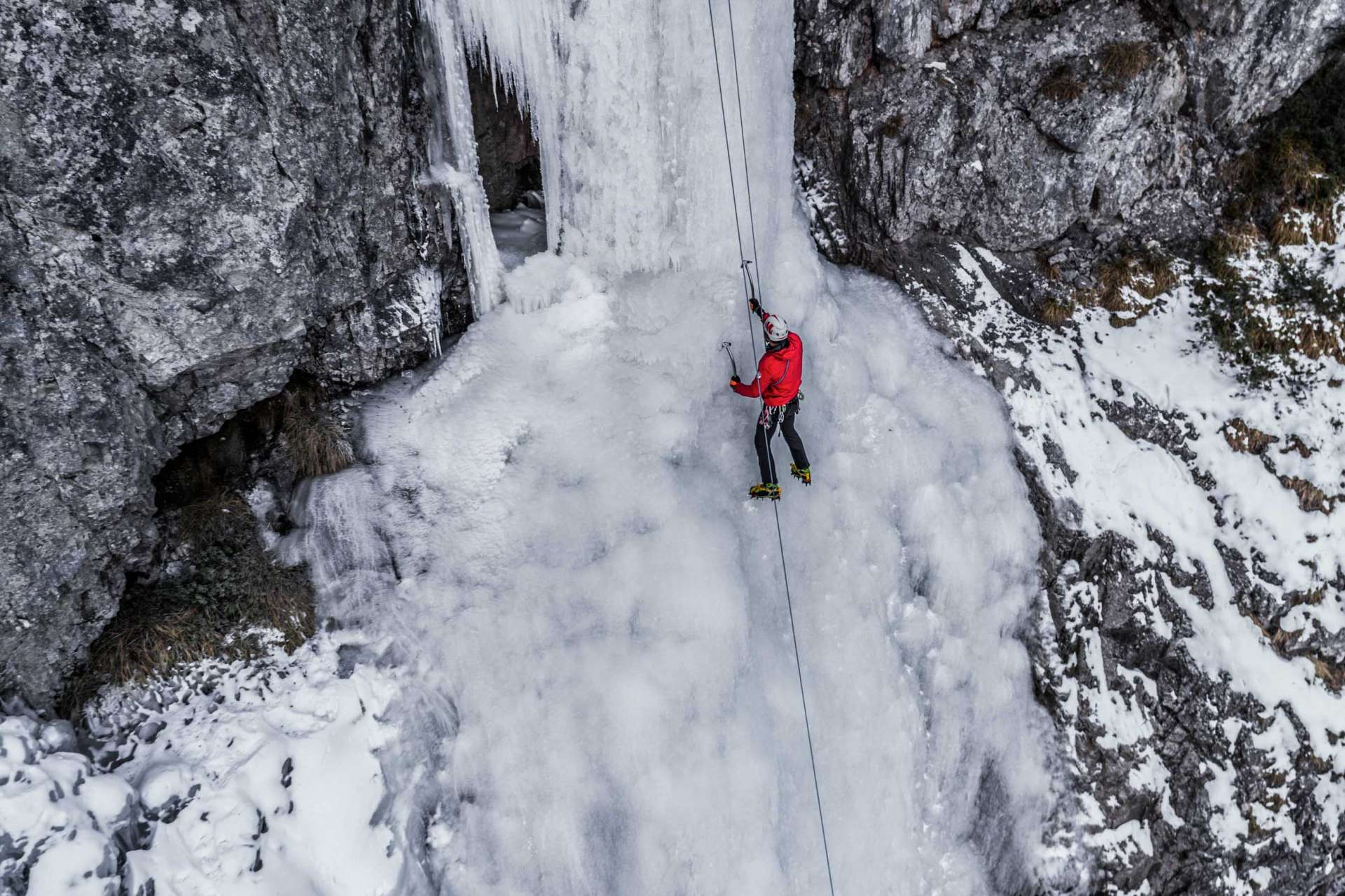 Ice Climbing Iced Waterfall Cascata Cambrembo Foppolo 2