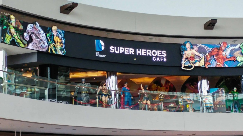 Singapore Pescart Enrico Pescantini DC Super Heroes Cafe