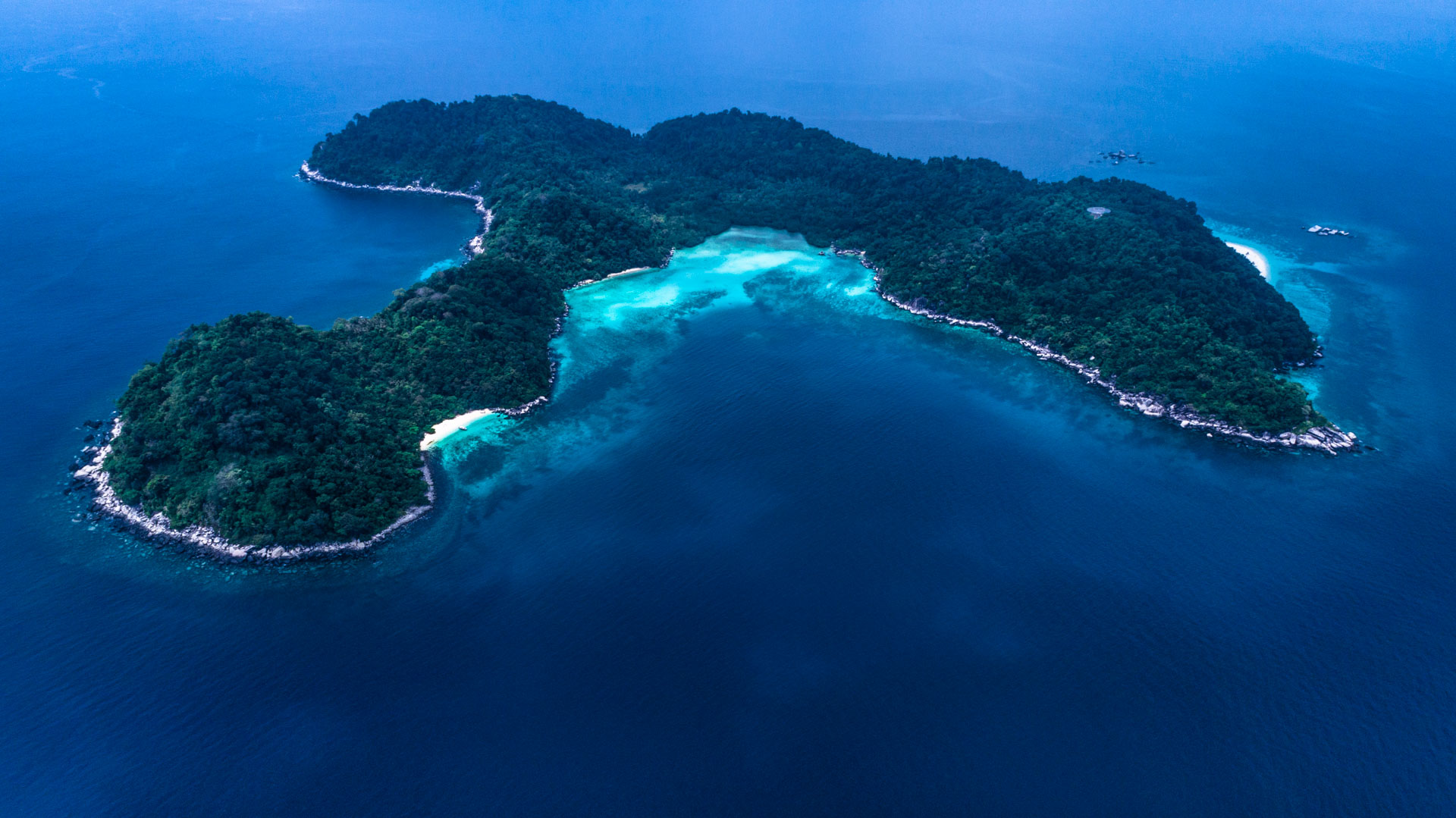 Tioman Island Malaysia Pescart Travel Photo Blog Enrico Pescantini Coral Island aerial view drone