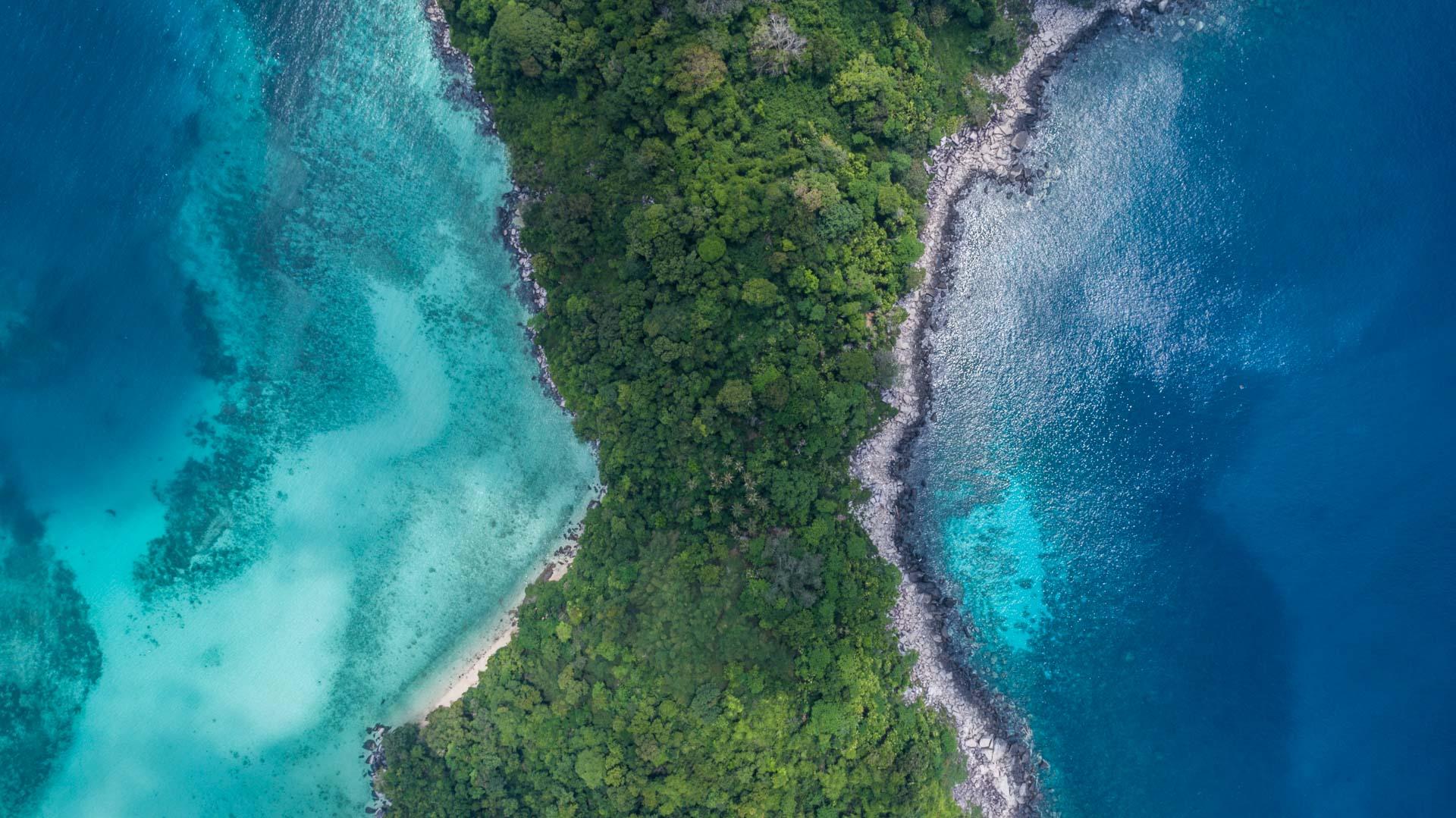 Tioman Island Malaysia Pescart Travel Photo Blog Enrico Pescantini Coral Island aerial view drone 3
