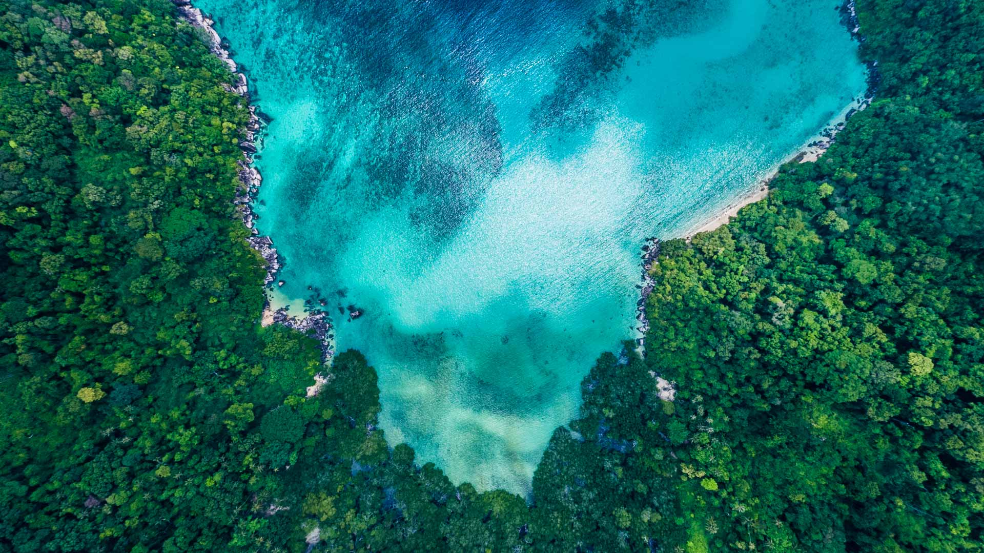 Tioman Island Malaysia Pescart Travel Photo Blog Enrico Pescantini Coral Island aerial view drone 4