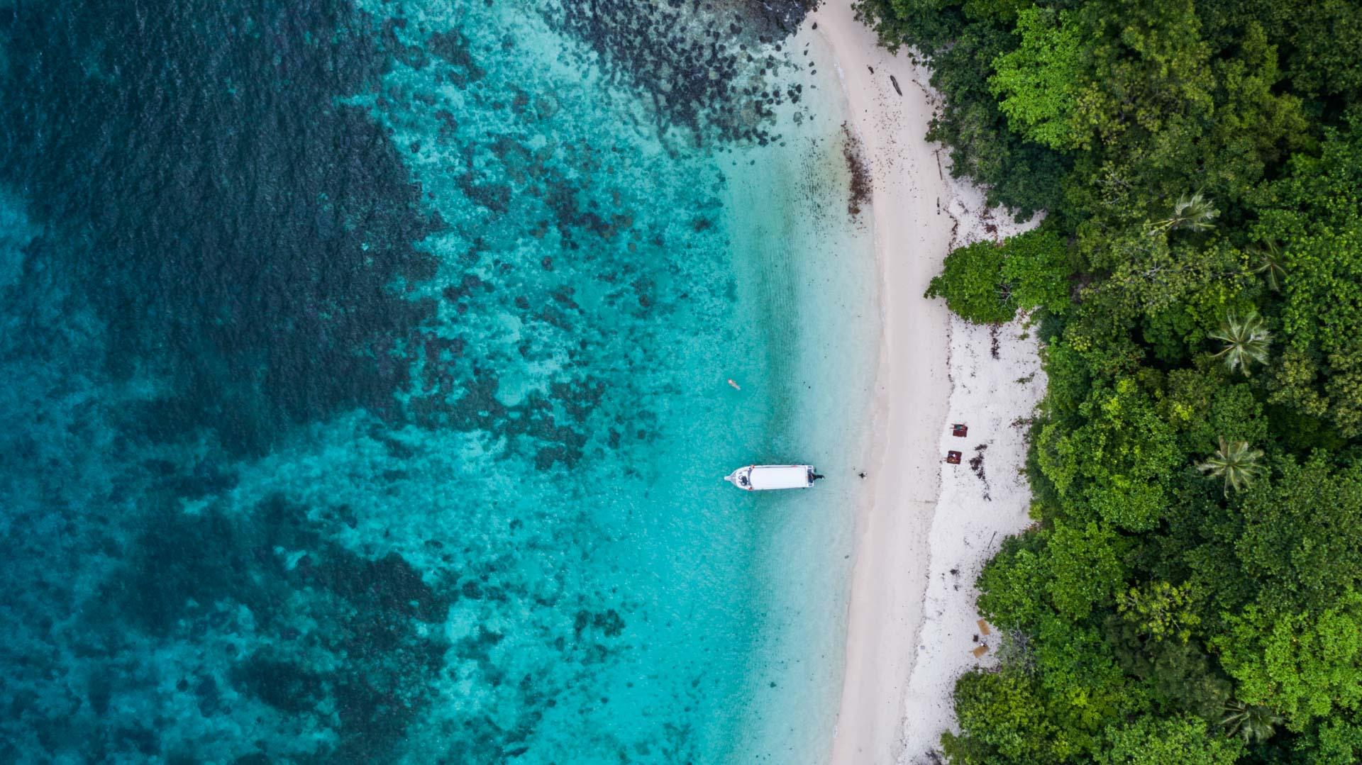 Tioman Island Malaysia Pescart Travel Photo Blog Enrico Pescantini Coral Island aerial view drone 5