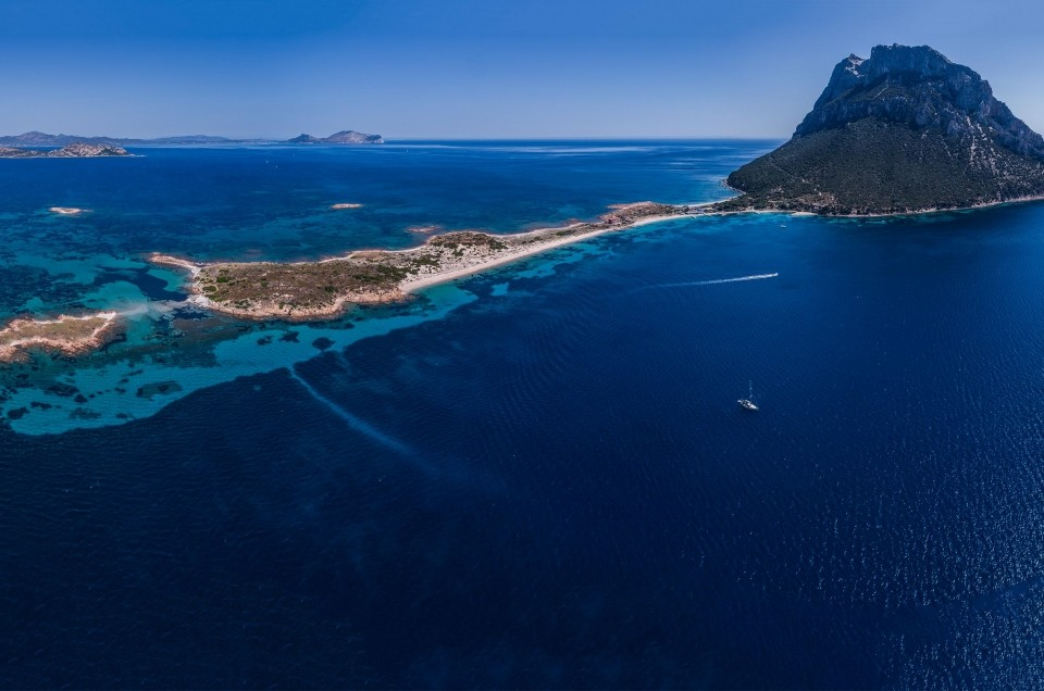 Tavolara and Punta Coda Cavallo Marine Preserve: best beaches of Sardinia!