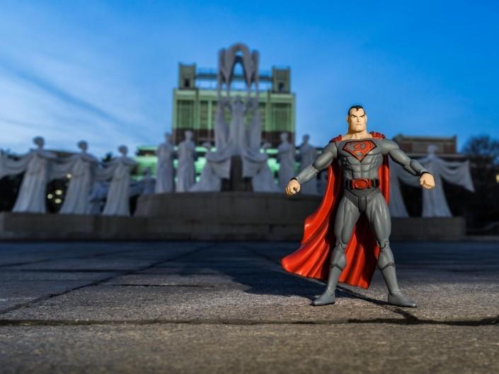 A Red Superhero in North Korea Enrico Pescantini Fontana di Mansudae superman in north korea