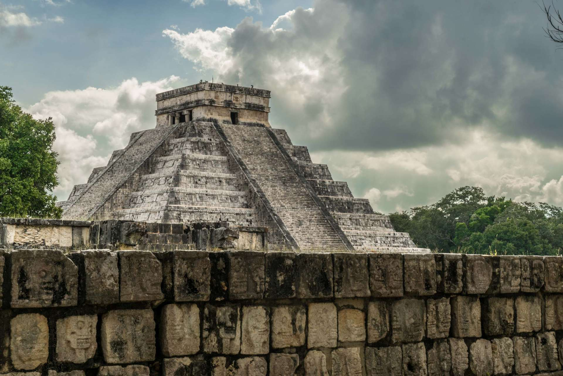 El Castillo Temple of Kukulcan Chichen Itza Yucatan Mexico 3
