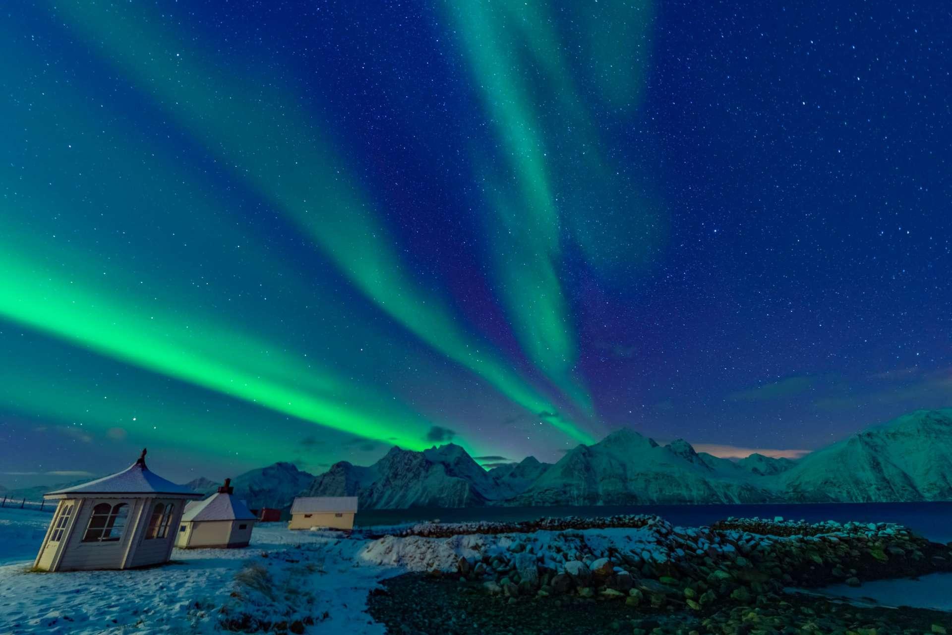 Northern Lights Glass Igloo Tromso Lyngen North aurora enrico pescantini 3