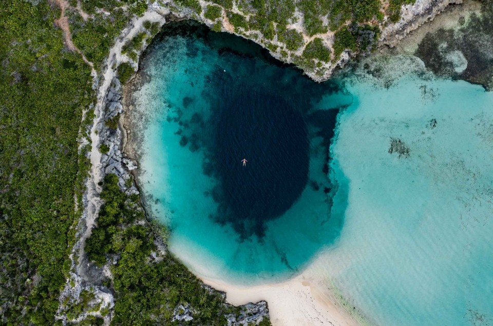 Long Island Bahamas: one of the best beach in the world and the wonder of Dean's Blue Hole!