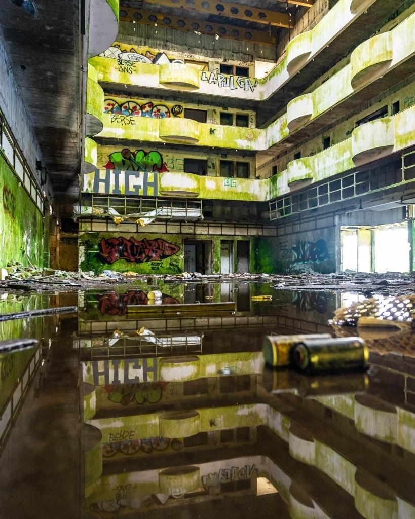 Azores Sao Miguel abandoned Hotel abandonado Monte Palace