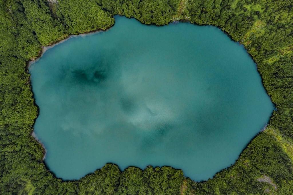 azores sao miguel drone lagoa de santiago