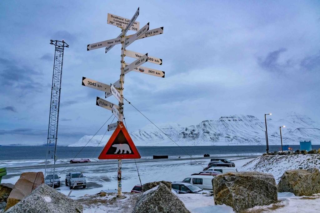 svalbard longyearbyen airport sign