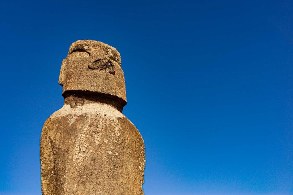 easter island rapa nui hanga roa moai