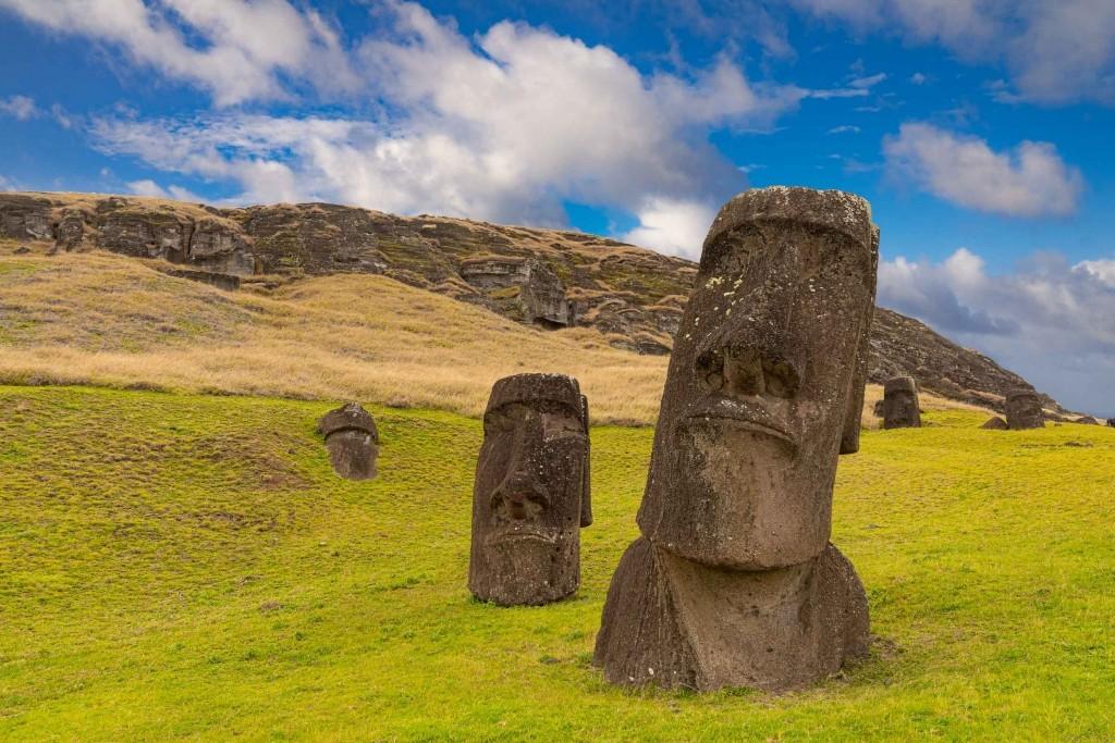 easter island rapa nui Rano Raraku moai 4
