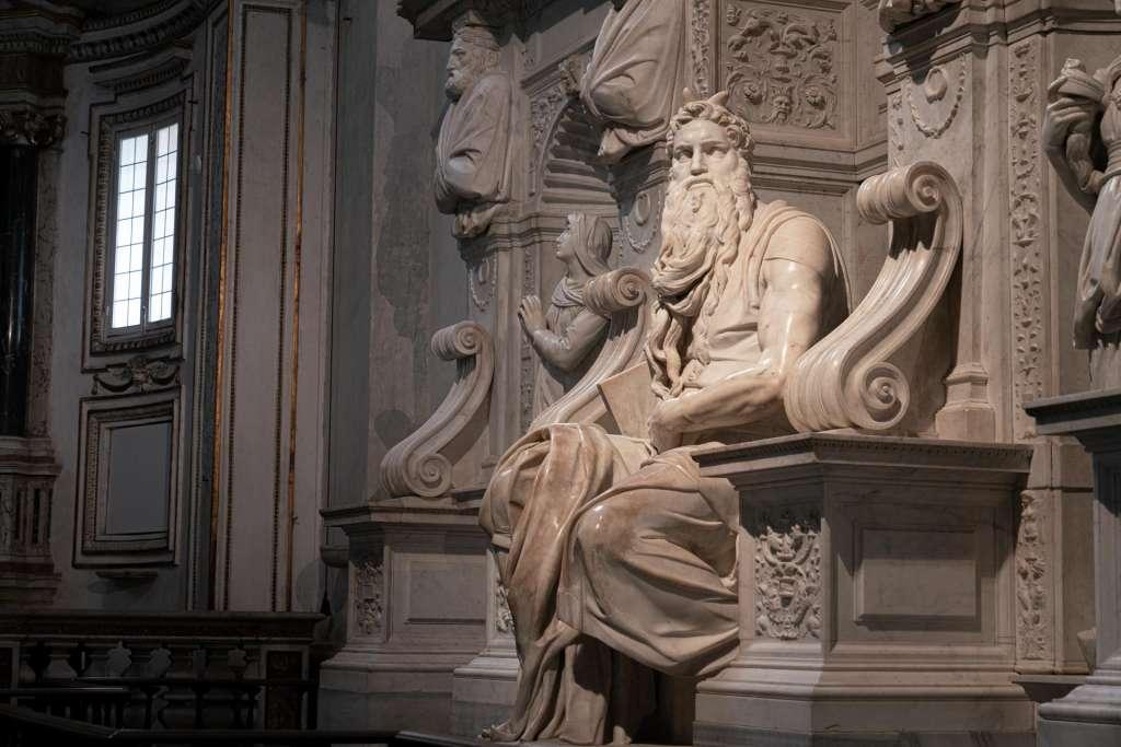 Michelangelo Mose Statue