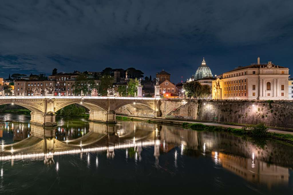 Vittorio Emanuele II Bridge and St Pieter Cupola